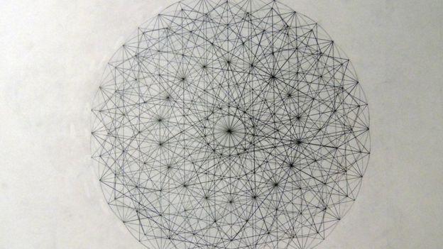 تغيرت حياة بادجيت منذ اللحظة التي التقى فيها عالم الفيزياء الذي أدرك ما تنطوي عليه رسوماته من مفاهيم، وحثه على دراسة الرياضيات