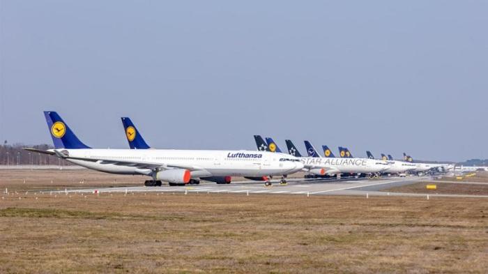 خصص مطار فرانكفورت، أحد أكثر المطارات ازدحاما في أوروبا، مدرجا من مدرجاته الأربعة لإيواء عشرات الطائرات التي مُنعت من التحليق