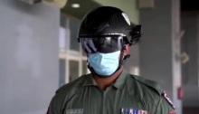 تستطيع الخوذة الذكية لشرطة دبي أن تتابع درجات الحرارة لأكثر من 200 شخص في نفي الوقت