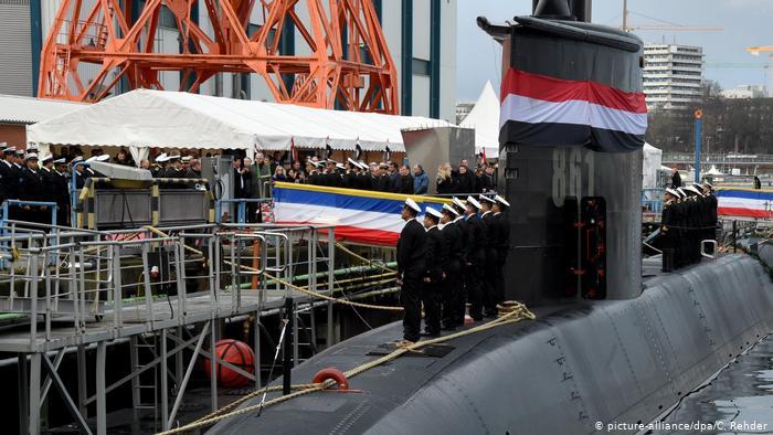 الغواصة المصرية من طراز 209 التي تسلمتها القوات البحرية من ألمانيا يوم 9 أبريل 2020