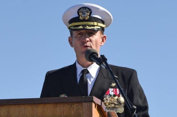 الكابتن بريت كروزير يتحدث في سان دييجو بكاليفورنيا في الأول من نوفمبر 2019
