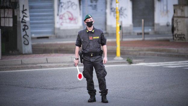 فرضت إيطاليا قيودا صارمة قبل 7 أسابيع، للحد من انتشار فيروس كورونا