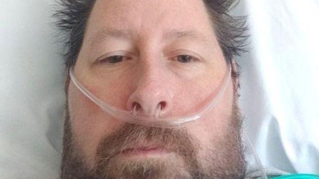 براين كان يظن أن الفيروس خدعة حتى أصيب به هو وزوجته