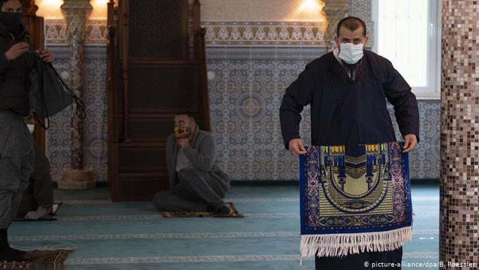 فتحت المساجد الألمانية أبوابها بشروط خاصة.