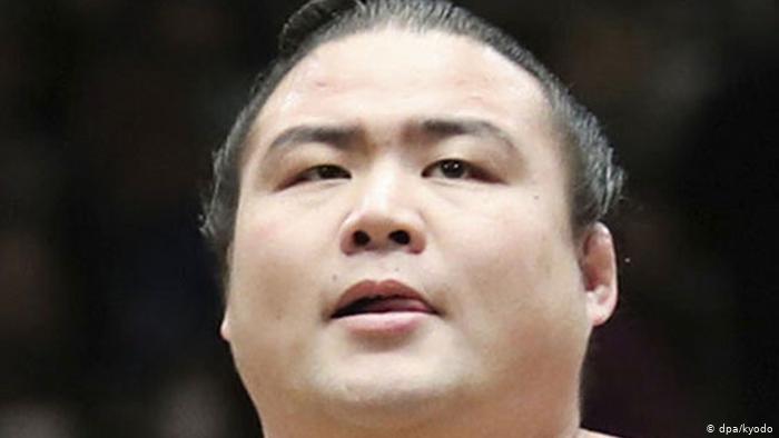 بعد معاناته مع الفيروس لأكثر من شهر، توفي شوبوشي، المصارع في الفئات الدنيا وعضو فريق تاكاداجاوا في طوكيو