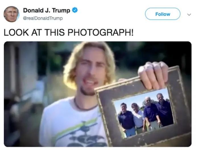 تغريدة ترامب التي تم حذفها بعد أن قام ترامب بتغير الصورة التي يمسك بها مغني أغنية نيكيلب اك حيث وضع بها صورة المرشح الرئاسي بايدن علي غير الحقيقة