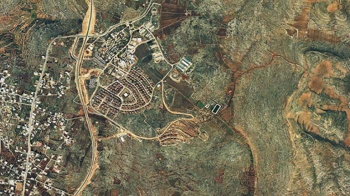 صورة بالأقمار الصناعية لأحد المستوطنات الإسرائيلية في الضفة الغربية وفقا لمنظمة السلام الآن الإسرائيلية