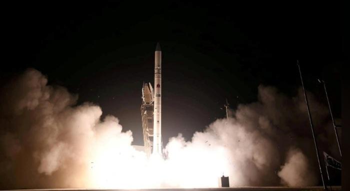 إطلاق قمر تجسس إسرائيلي جديد يسمى أوفيك 16 في الفضاء من موقع في وسط إسرائيل في 6 يوليو 2020