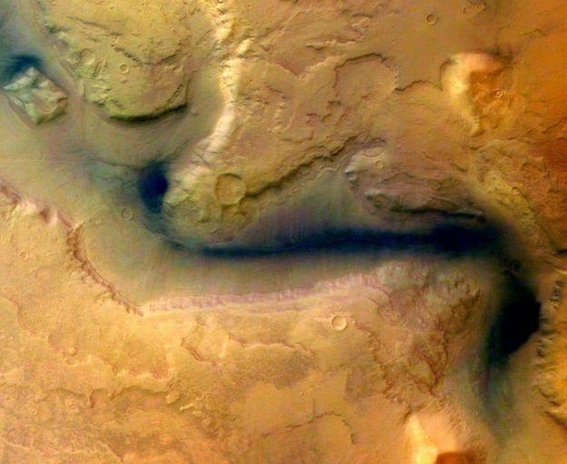 صور السطح تشير إلى أن المريخ كان ذات يوم ينعم بمياه دافقة