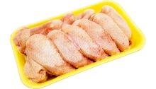 أثبتت العينات المأخوذة من الدجاج أنها إيجابية لفيروس كورونا RNA ، لكن هذا لا يعني أن الفيروس قابل للانتقال.