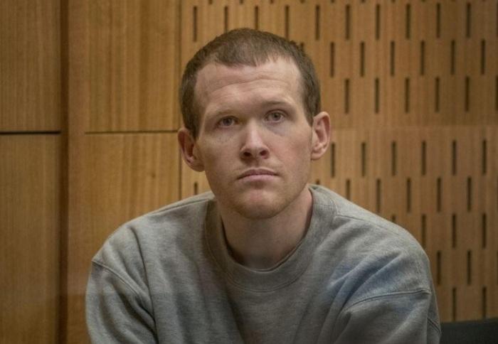 الأسترالي برنتون تارانت منفذ مذبحة المسجدين بنيوزيلندا خلال محاكمته في المحكمة العليا بمدينة كرايست تشيرش يوم الاثنين 24 أغسطس 2020