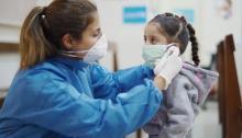 الأطفال أقل عرضه للإصابة بفيروس كورونا ولكن ليسوا محصنين ضد الإصابة