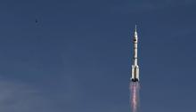 صاروخ صيني في طريقة الي مهمة فضائية