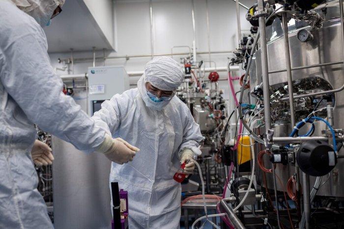 معامل شركة سينوفاك لإنتاج لقاح ضد فيروس كورونا - الصين