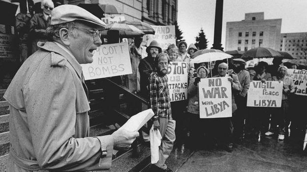 شهدت بعض مدن الولايات المتحدة احتجاجات على الهجمات العسكرية الأمريكية على ليبيا في منتصف شهر مارس عام 1986