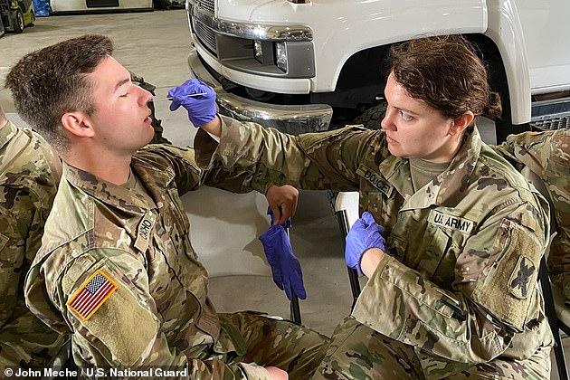ثبتت إصابة أكثر من 64000 عنصر بالجيش الأمريكي بفيروس كورونا وتعافى أكثر من 43000 من هذه الحالات