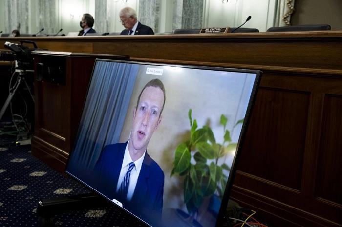 مارك زوكربيرج خلال مشاركته في الجلسة يوم الأربعاء 28 أكتوبر 2020