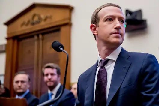 الرئيس التنفيذي لشركة Facebook مارك زوكربيرج في جلسة استماع للجنة الخدمات المالية بمجلس النواب في الكابيتول هيل بواشنطن