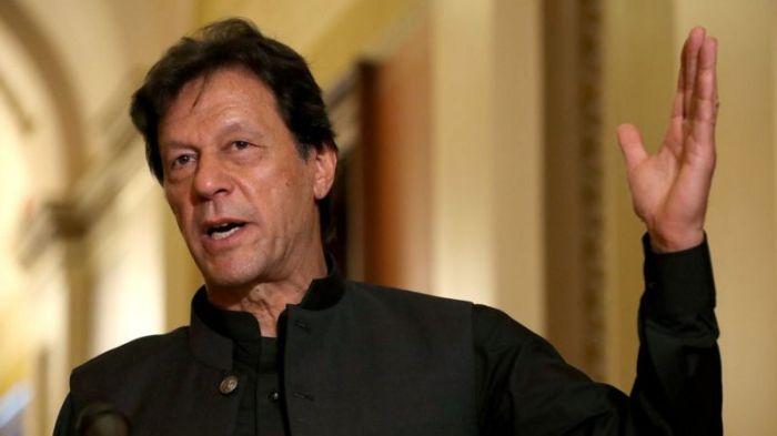 طلب عمران خان من الفيسبوك حظر كل رسائل الكراهية المعادية للمسلمين
