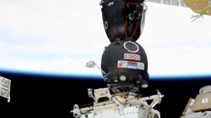 """لحظة التحام مركبة الفضاء الروسية """"سويوز إم إس-17"""" بالمحطة الفضائية الدولية يوم الأربعاء 14 أكتوبر 2020"""