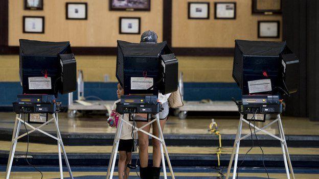 الانتخابات الأمريكية عملية معقدة، تشتمل على آلاف الهيئات المنفصلة التي تستخدم أنظمة تصويت مختلفة تماما