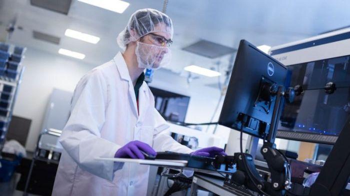 استخدم علماء شركة موديرنا أسلوبا مبتكرا في تطوير اللقاح بهذه السرعة