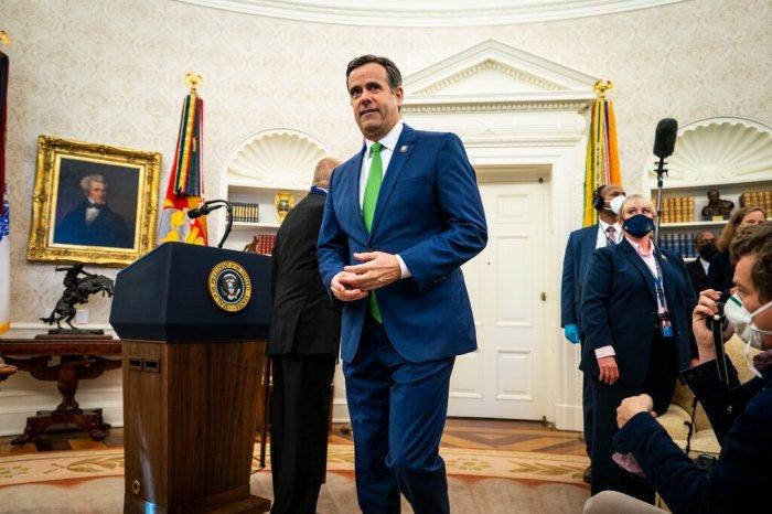 جون راتكليف، مدير المخابرات الوطنية، أحد الحاضرين في اجتماع البيت الأبيض يوم الاثنين 21 ديسمبر بشأن مصدر الهجوم الإلكتروني.