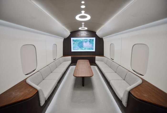 تصميم داخلي محتمل للنموذج الجديد لقطار مغناطيسي معلق فائق السرعة من الصين