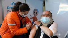 إسرائيل أعطت الأولوية لمن هم فوق الستين عاماً في حملتها للتطعيم