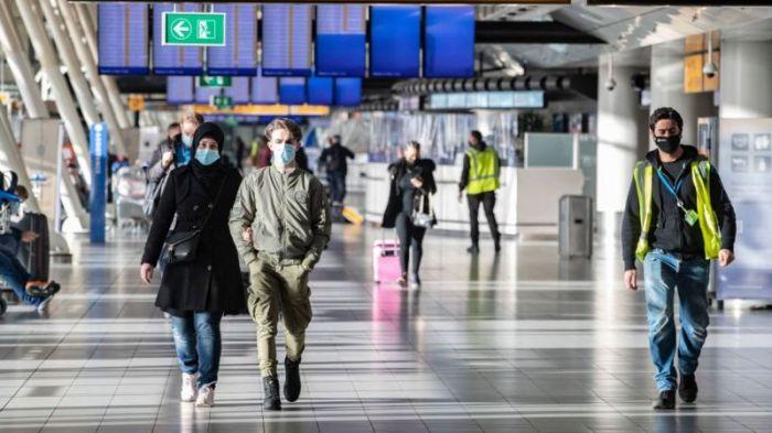 أدى ظهور سلالة جديدة من فيروس كورونا إلى فرض قيود على الطيران في العديد من البلدان