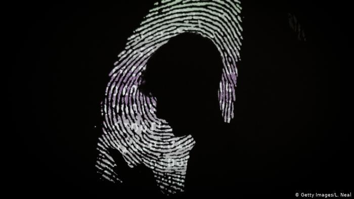 في الدول الاستبدادية يمكن لمثل هذه المعلومات أن تشكل خطرا كبيرا على المستخدمين
