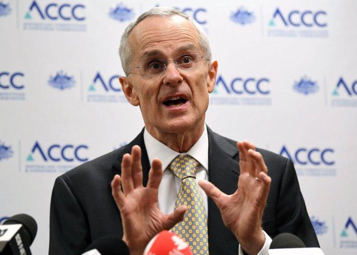 رود سيمز، رئيس هيئة تنظيم حماية المستهلك الأسترالية، هو المهندس الرئيسي لجبهة مقاومة شركات التكنولوجيا العملاقة