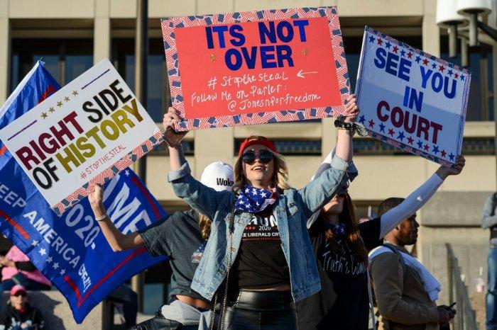 مسيرة حاشدة لمؤيدي الرئيس ترامب في واشنطن يوم 14 نوفمبر للاحتجاج على نتائج الانتخابات.