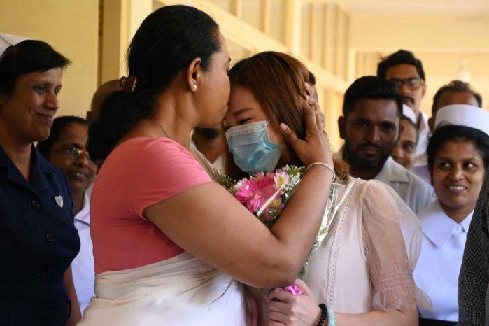 دخلت وزيرة الصحة السريلانكية في عزل ذاتي بعد نتيجة فحص إيجابية لفيروس كورونا