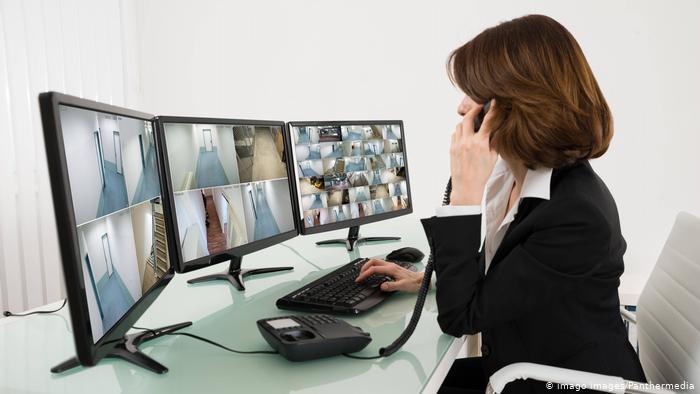 صور رمزية لمراقبة المنازل والأبنية باستخدام كاميرات الفيديو