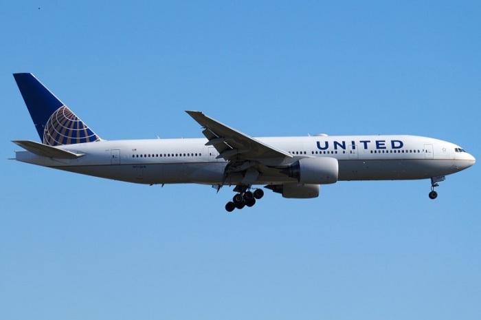 طائرة من طراز بوينج 777 تابعة لشركة يونايتيد الأمريكية