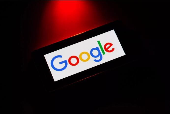 قد يكون لدى جوجل بيانات عنك أكثر مما تعرف، ولكن يمكنك تحديد المدة التي تحتفظ بها الشركة بهذه المعلومات