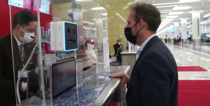تقنية حديثة في مطار دبي الدولي تتيح إنهاء إجراءات الركاب في ثواني بدون التعامل مع جوازات السفر - الأحد 7 مارس 2021