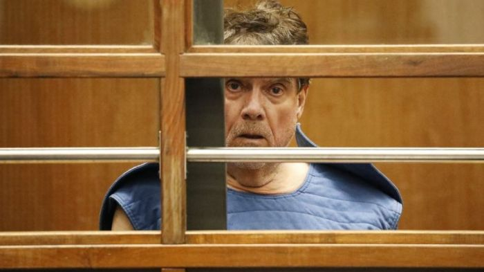 جورج تيندال في انتظار المحاكمة