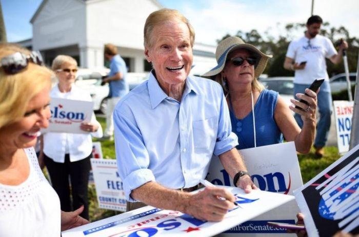 خلال حملة بيل نيلسون الانتخابية عام 2018