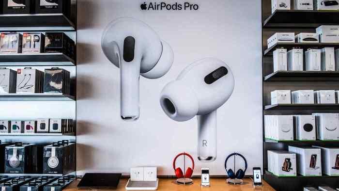 تمتعت سماعات أيربودزبنمو سريع مع تباطؤ الطلب على أجهزة أيفون خلال السنوات القليلة الماضية