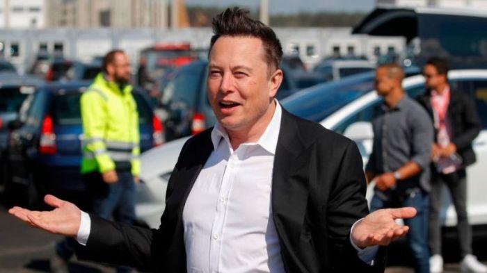"""قال ماسك: """"شهدنا تحولا حقيقيا في تصور العملاء للسيارات الكهربائية، والطلب على منتجاتنا هو الأفضل على الإطلاق"""""""