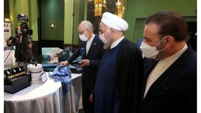 الرئيس حسن روحاني يتفقد الإنجازات النووية لبلاده
