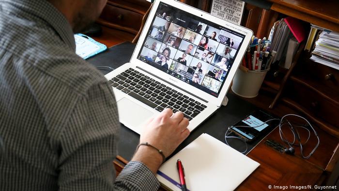 الاجتماعات بتقنية الفيديو أكثر إرهاقا من اللقاءات الفعلية المباشرة.