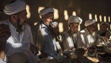 الإيجور قريبون جدا في عاداتهم من دول آسيا الوسطى، بينما هم جزء من الصين