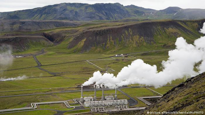 وصلت محطات الطاقة الحرارية الأرضية والطاقة الكهرومائية الموجودة في أيسلندا إلى حدودها القصوى