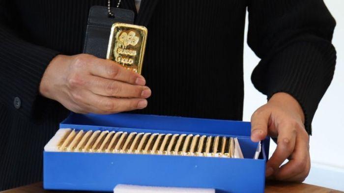 يقول ويلسون إن البيتكوين يمكن أن تشكل تهديدًا بسيطًا على الذهب ، حيث يقوم الناس بنقل مخصصات استثماراتهم بعيدًا عن المعادن الثمينة ، إلى العملات المشفرة.