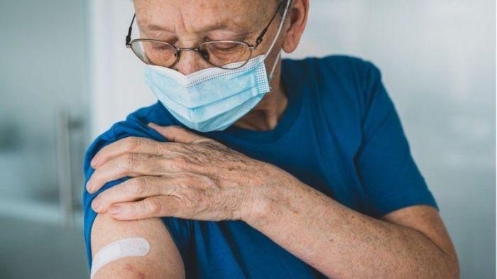 آثار جانبية بسيطة للقاح كورونا