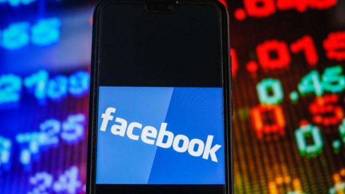 تسمح خطوة فيسبوك لترامب بالعودة إلى المنصة قبل الانتخابات الرئاسية لعام 2024