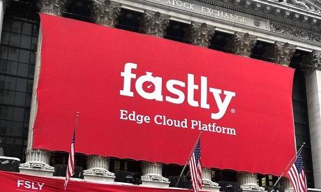 شعار شركة فاستلي علي مبني بورصة نيويورك